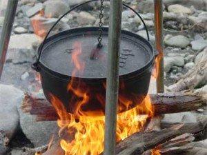dutch_oven_campfire