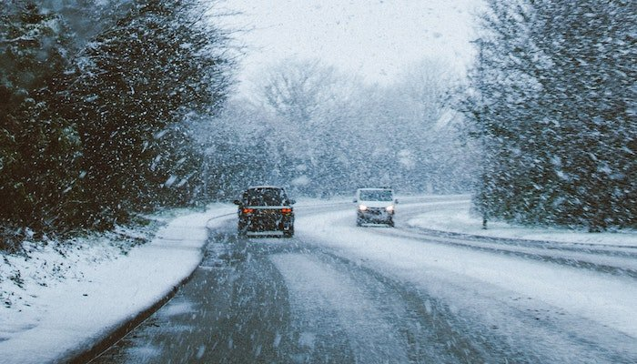 Cold Weather Survival - Driving in Winter Storms